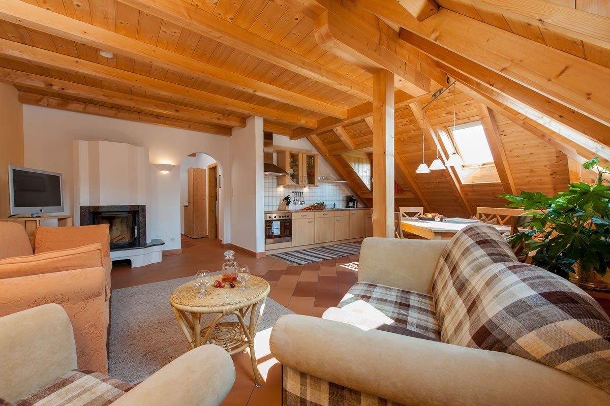 panoramablick variante 2 ferienwohnung ritten wohnen am bauernhof in s dtirol. Black Bedroom Furniture Sets. Home Design Ideas