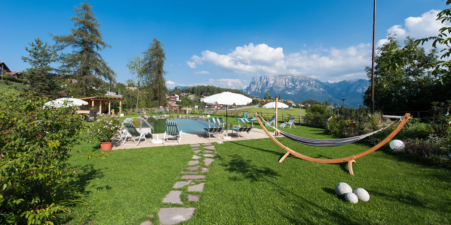 bauernhof in s dtirol mit natur pool weidacherhof. Black Bedroom Furniture Sets. Home Design Ideas